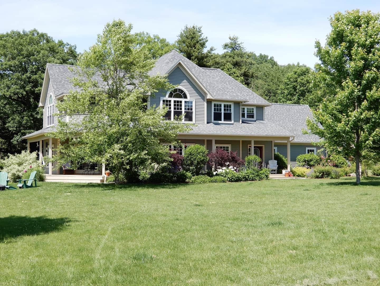Log Cabin/Cottage | VT Homes for Sale - Signature Properties