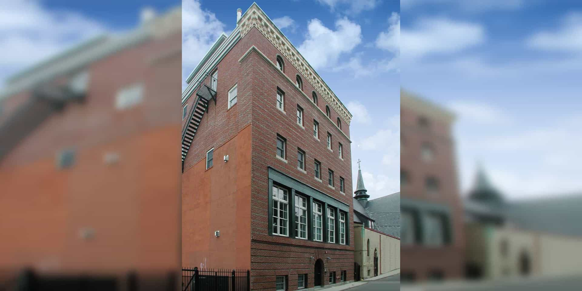 Newcomb Lofts