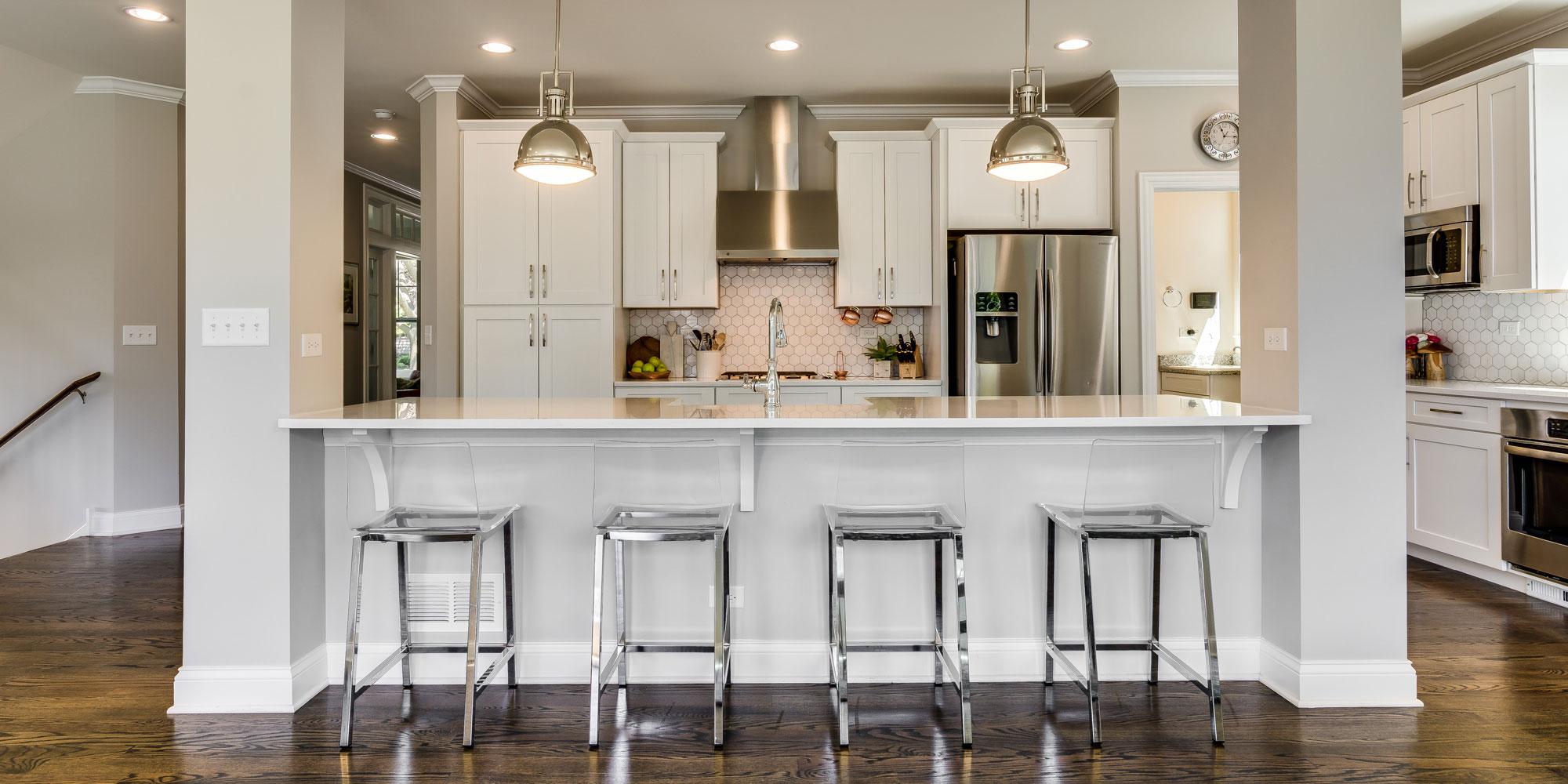 Downers Grove Homes - Mary Braatz | RE/MAX Enterprise